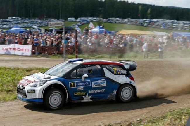 Chris Atkinson conduciendo el DS3 WRC en el Rally de Finlandia