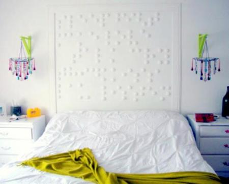 Una buena idea: cabecero con mensaje secreto en Braille