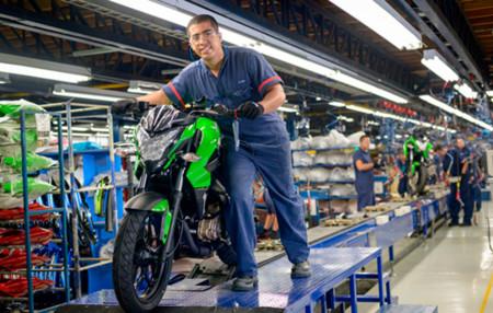 Auteco empezó la venta de motos y bicicletas eléctricas