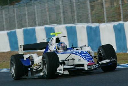 Sébastien Loeb prueba un GP2