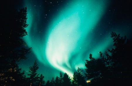 igloo-village-aurora-boreal.j
