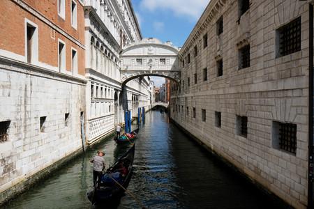 """""""Es hora de recuperar la ciudad"""": Venecia y Barcelona ante la encrucijada de un verano sin turismo"""