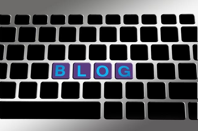 Teclado con la vocablo blog.