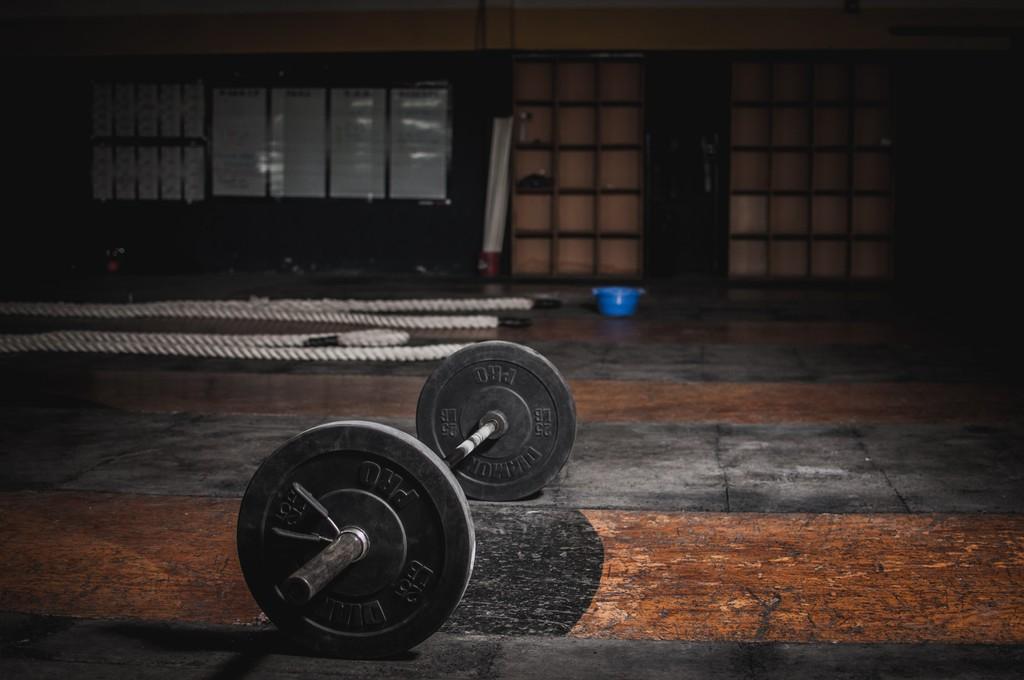 Siete ejercicios con pesas para trabajar tu espalda