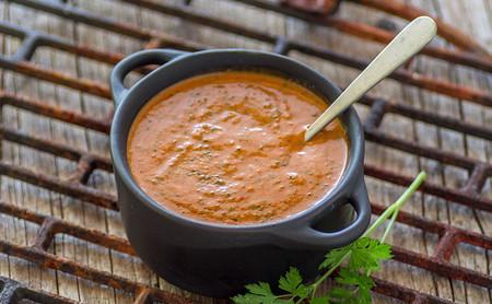Las 17 mejores recetas de salsas ligeras para acompañar tus platos