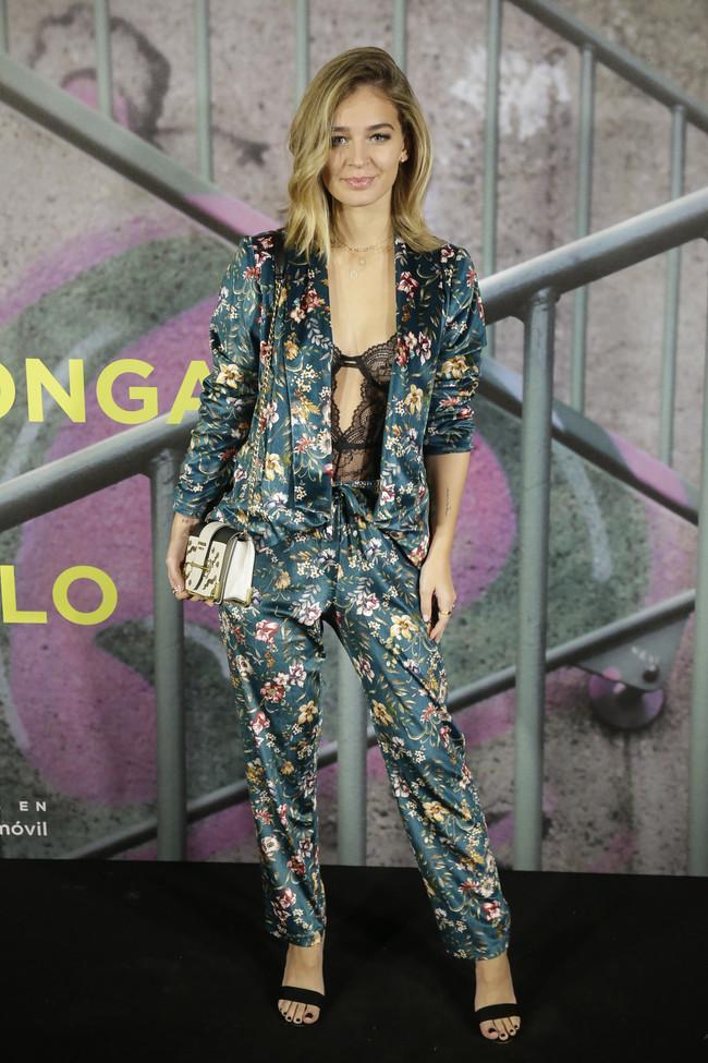 laura escanes look estilismo outfit