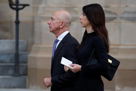 Mackenzie Scott dona, tras divorciarse del fundador de Amazon, casi 1.500 millones euros para luchar contra la desigualdad