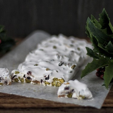 Turrón de almendras, pistachos y arándanos: nunca disfrutar de la Navidad con un dulce tradicional fue más delicioso