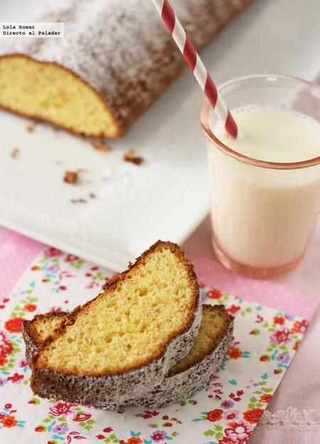 Bizcocho de chocolate blanco, receta para un desayuno o merienda delicioso