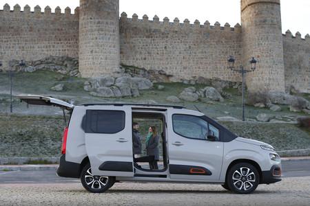 Citroën Berlingo 2020 puertas y portón abierto