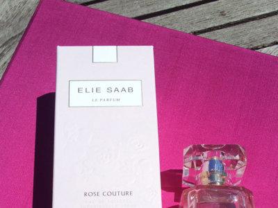 Probamos el perfume Rose Couture de Elie Saab y nos declaramos fans absolutas de ese olor empolvado a rosas