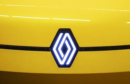 """Renault cambia su logo por el rombo """"más simple"""" que estrenó el Renault 5 eléctrico"""