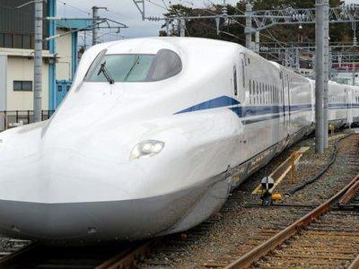 Japón muestra al mundo la versión 'Supreme' de su famoso tren bala: una bestia capaz de alcanzar los 360 km/h