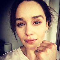 Emilia Clarke se tiñe el pelo como su alter ego: ahora sí que sí, Khaleesi es real