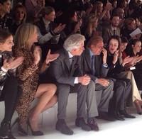 Valentino convierte la Semana de la Moda de París en la gran fiesta de moda italiana
