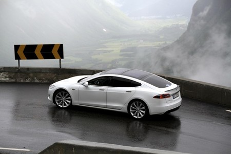 Tesla Model S Rally Noruega