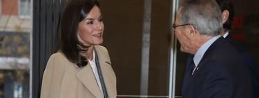 Copiamos el perfecto look de oficina de la reina Letizia con prendas de las rebajas de Zara