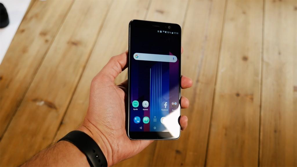 HTC U11 Plus pantalla reflejos