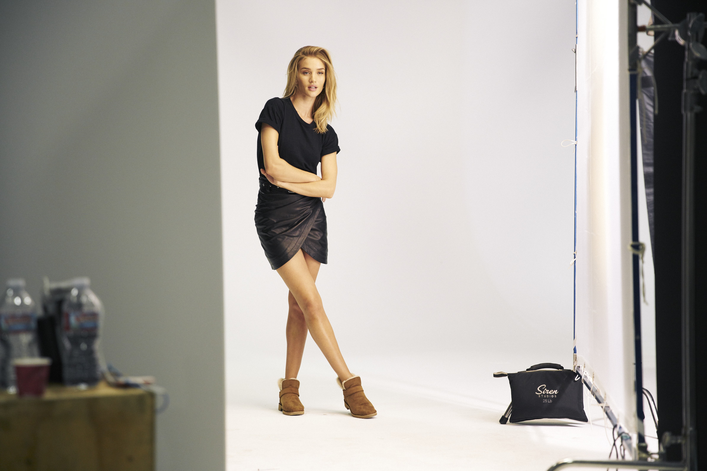 Foto de Las botas UGG se reinventan para lucir los pies más calentitos con mucho estilo y copiando a las 'it girls' (1/19)