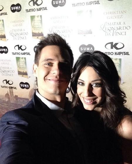 Christian Gálvez repite como escritor a golpe de selfie con su Almudena Cid