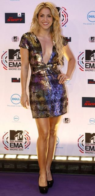 Shakira en la Alfombra roja de los MTV 2010