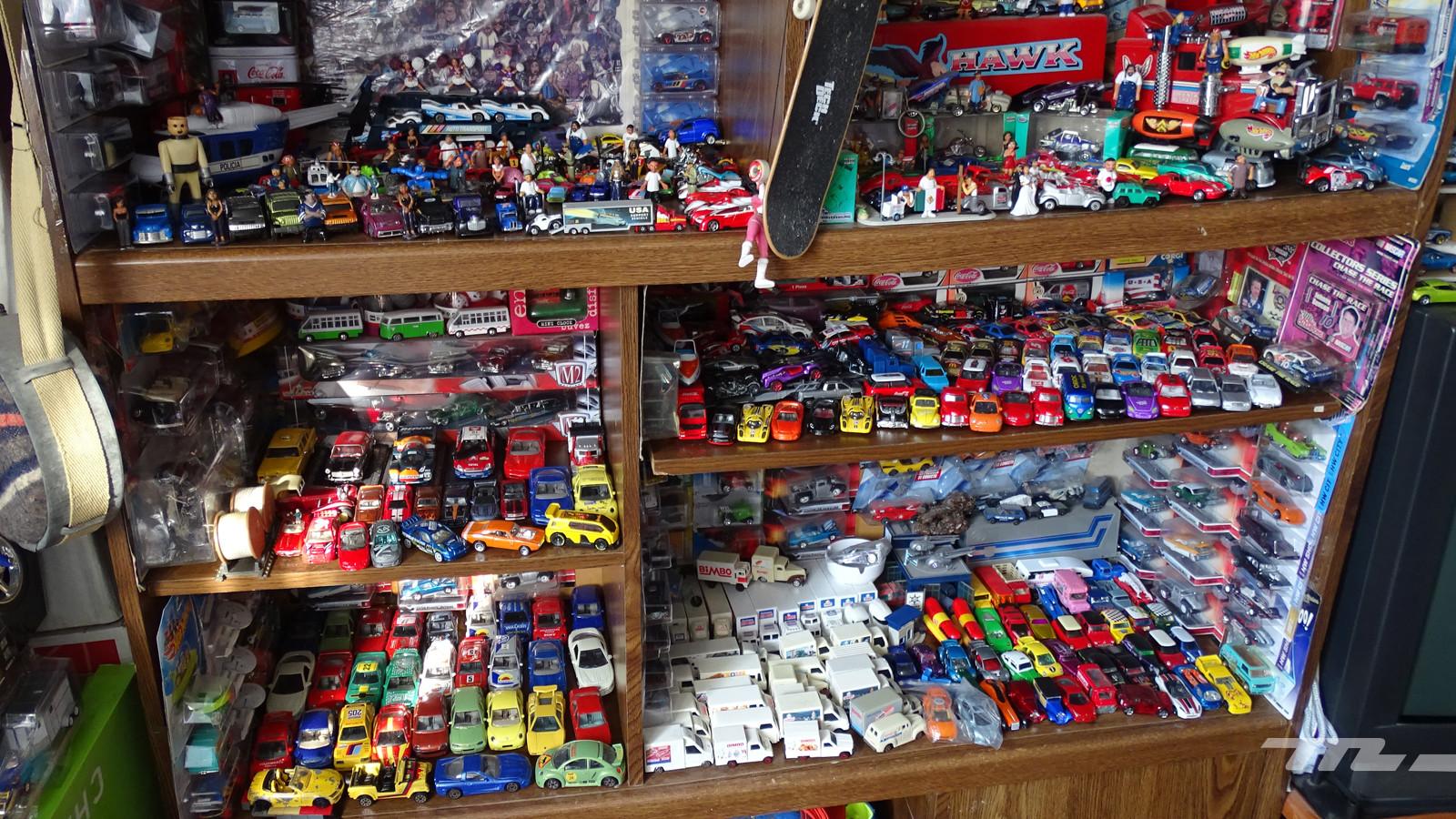 Foto de ¡Son más de 6,000! Exploramos el alucinante universo del coleccionista de autos a escala (1/19)