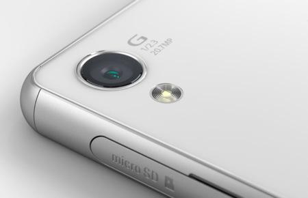 Konica Minolta está trabajando en una óptica de 2,7 mm y f/2.8 para sensores curvos