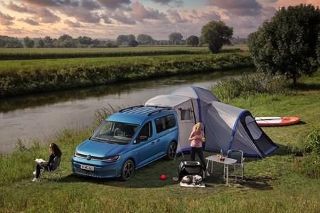 Volkswagen Caddy California 2021, tu mini departamento con ruedas para salir de aventura el próximo fin de semana