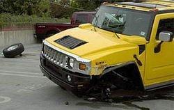 Al Hummer H2 se le podrían caer las ruedas
