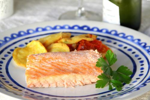 19 recetas saludables de pescado al horno para conseguir una cena ligera y rica en proteínas