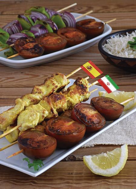 Cocina de Irán: Joojeh kabob, brochetas de pollo y tomates Kumato®