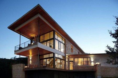 Un casa funcional con materiales naturales: Lake Travis Residence