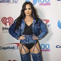 Los vaqueros más locos de Demi Lovato salen a la venta en ASOS y las redes sociales enloquecen (¿con razón?)