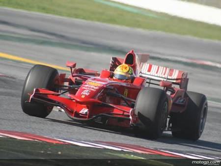 Valentino Rossi contento en su nuevo test sobre un Fórmula 1