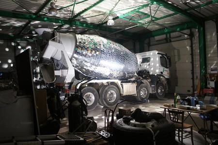 ¿Tienes ganas de fiesta? Un camión hormigonera como el de Benedetto Bufalino es lo que necesitas YA