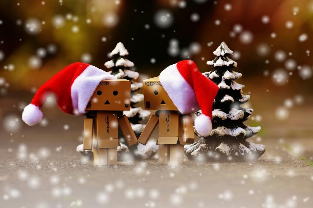 50 regalos tecnológicos, por menos de 50 euros, para el amigo invisible y Navidad que puedes comprar en Amazon, Fnac y El Corte Inglés