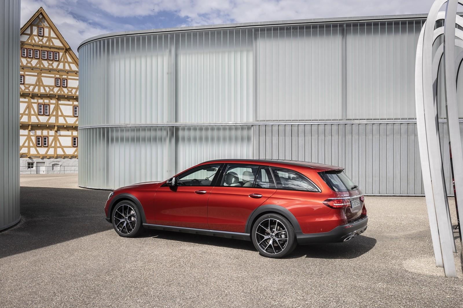 Foto de Mercedes-Benz Clase E 2020, prueba contacto (25/135)