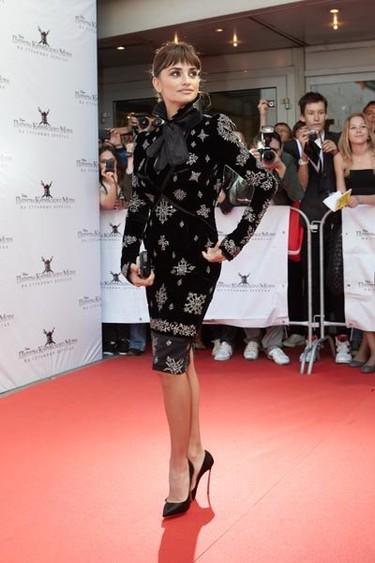 Penélope Cruz de premiere en Moscú: y otra vez de negro