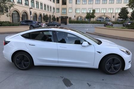 Nuevas fotos del Tesla Model 3 nos dejan ver en todo esplendor la versión final de nuevo coche de Elon Musk