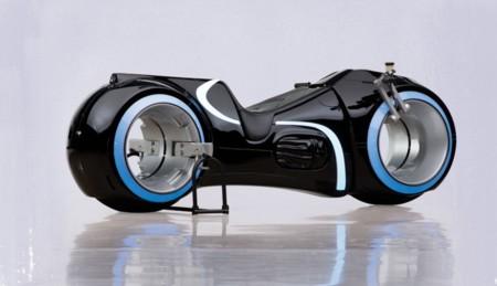 Una réplica de la moto de luz de Tron:Legacy está a tu alcance (si tienes 40.000 dólares)