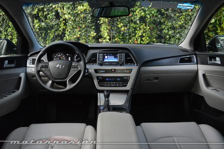 Hyundai Sonata Interior 2