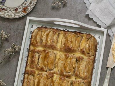 Bizcocho con manzana y crema pastelera. Receta de postre irresistible con y sin Thermomix