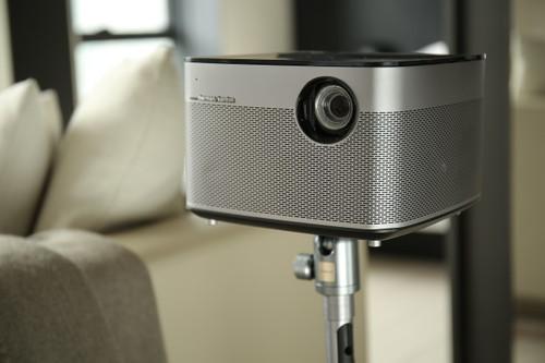 ¿Qué tiene este proyector portátil para haber arrasado en Indiegogo?