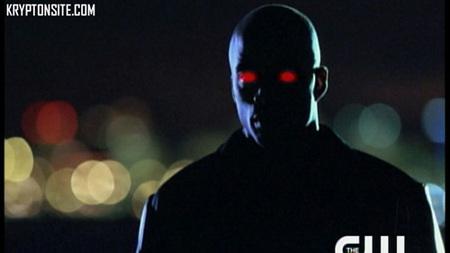 ¿El Detective Marciano, sustituto de Smallville?
