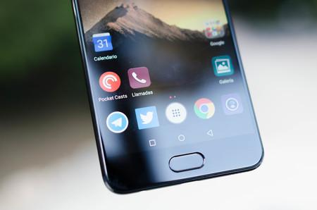 Huawei P10 Plus huellas detalle