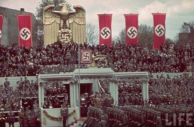 desfile-nazi.jpg