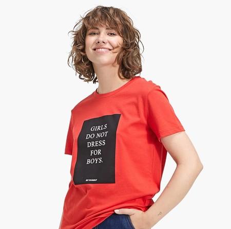 Stradivarius lanza una colección de camisetas feministas y deja muy claro que «no es no»