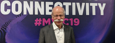 """""""No queremos aceptar las ofertas de Apple o Google porque el software es el cerebro de nuestros coches"""": Dieter Zetsche, director de Mercedes"""