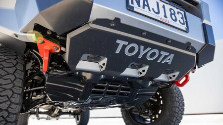 Toyota Hilux Mako 5