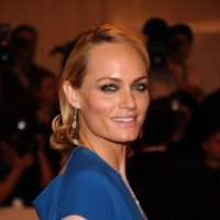 Amber Valletta, la Cover Queen de los 90
